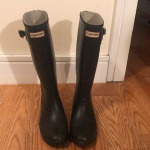 "Hunter ""Huntress"" black rain boots"